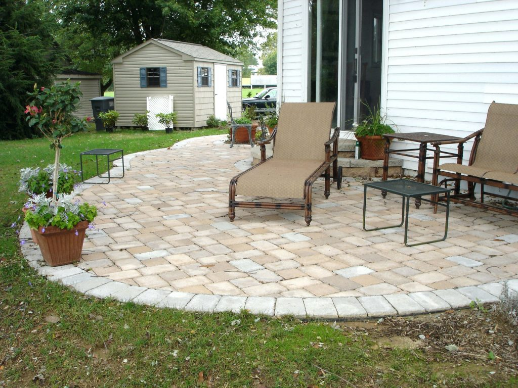 Carrying out an outdoor paver project for your home