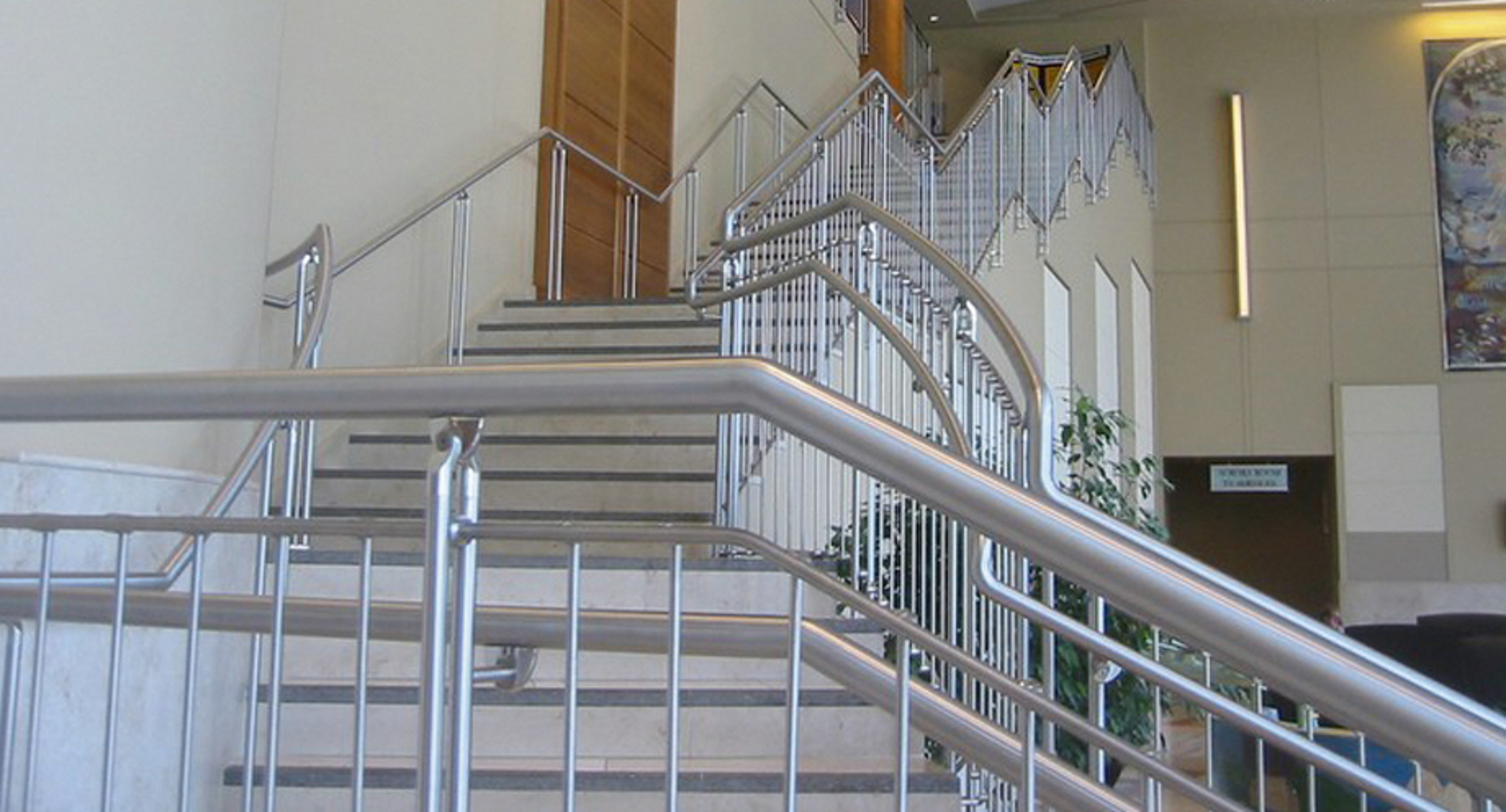 Stainless_Steel_Railings